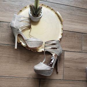 Quipid Gold Sparkle High Heel Sandals 7